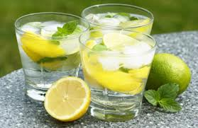 light water drink with lemos