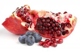pomagranate and blueberries protect skin